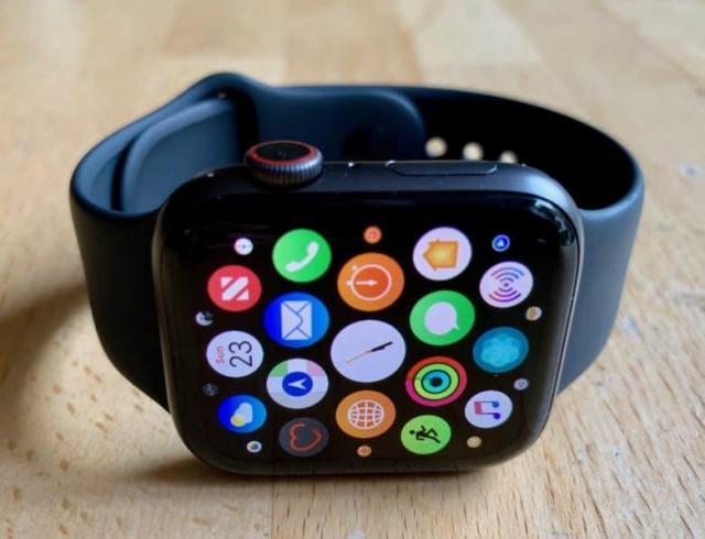 Apple_Watch_Series_4.thumb.jpg.f58cff1e0090e7d657fec80b2e0ced36.jpg