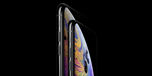 apple-iphone-xs-max.thumb.jpg.8aa523193168e12f3610c9b476347e3f.jpg