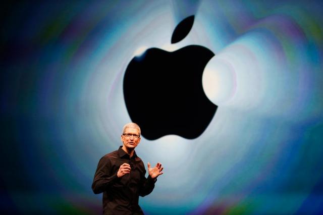 apple-sign-tim-cook-stage.thumb.jpg.849811f185f114496028ed78db8e08a1.jpg